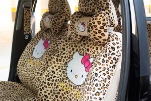 capa-para-banco-de-carro-hello-kitty-oncinha4