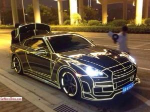 glow-in-the-dark-cars-550x410