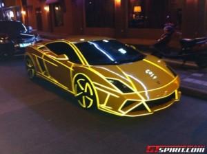 glow-in-the-dark-cars5-550x411