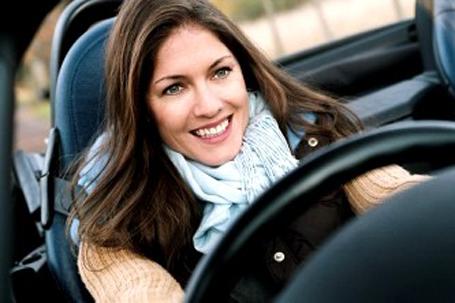 mulher_carro
